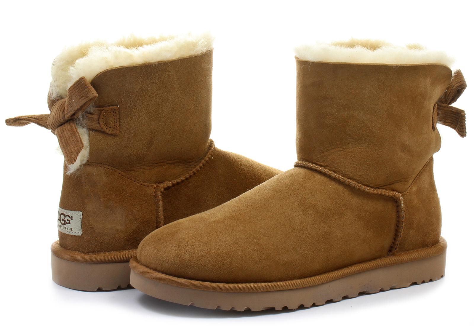 Ugg Csizma - W Mini Bailey Bow Corduroy - 1006057-CHE - Office Shoes ... 00b0043d19