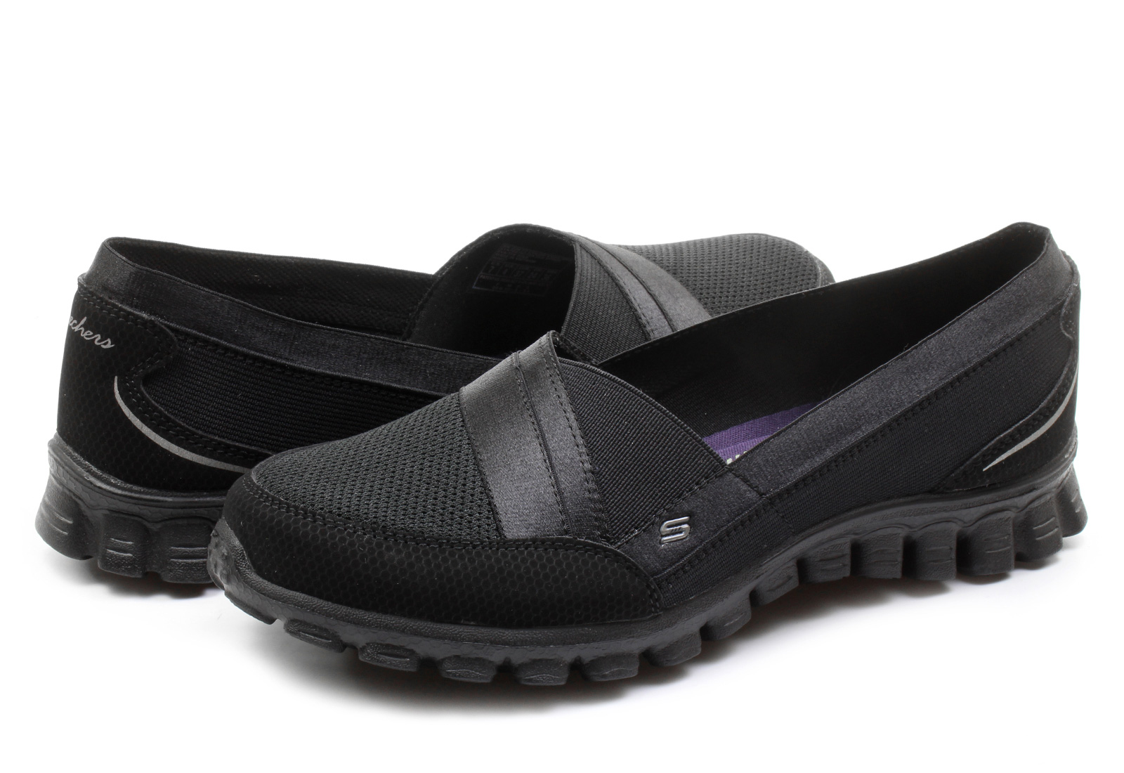 Boasting a slingback design and a cute wedge heel, these suede peep-toe sandals from Skechers are a cut above the rest! Designed with comfort and fashion in mind, they'll keep you stylin' through the whole season.