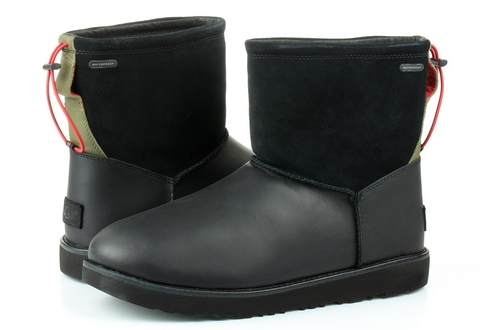 Ugg Boots Classic Toggle Waterproof