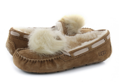 Ugg Shoes Dakota Pom Pom