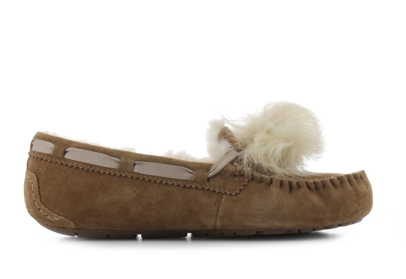 95f2e97a97 Ugg Nízké boty Dakota Pom Pom 5