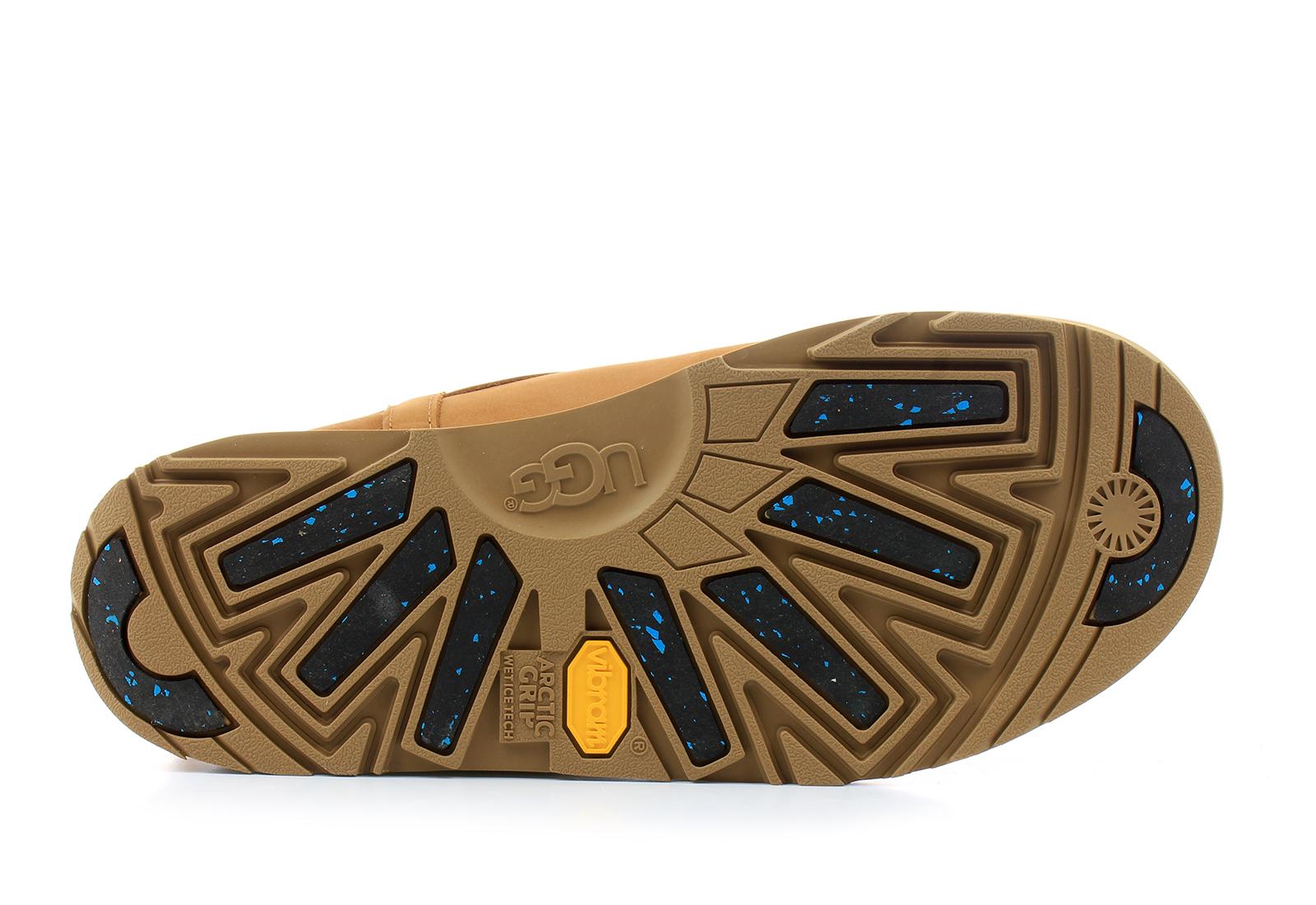 Ugg Boots Classic Mini Leather Waterproof 1