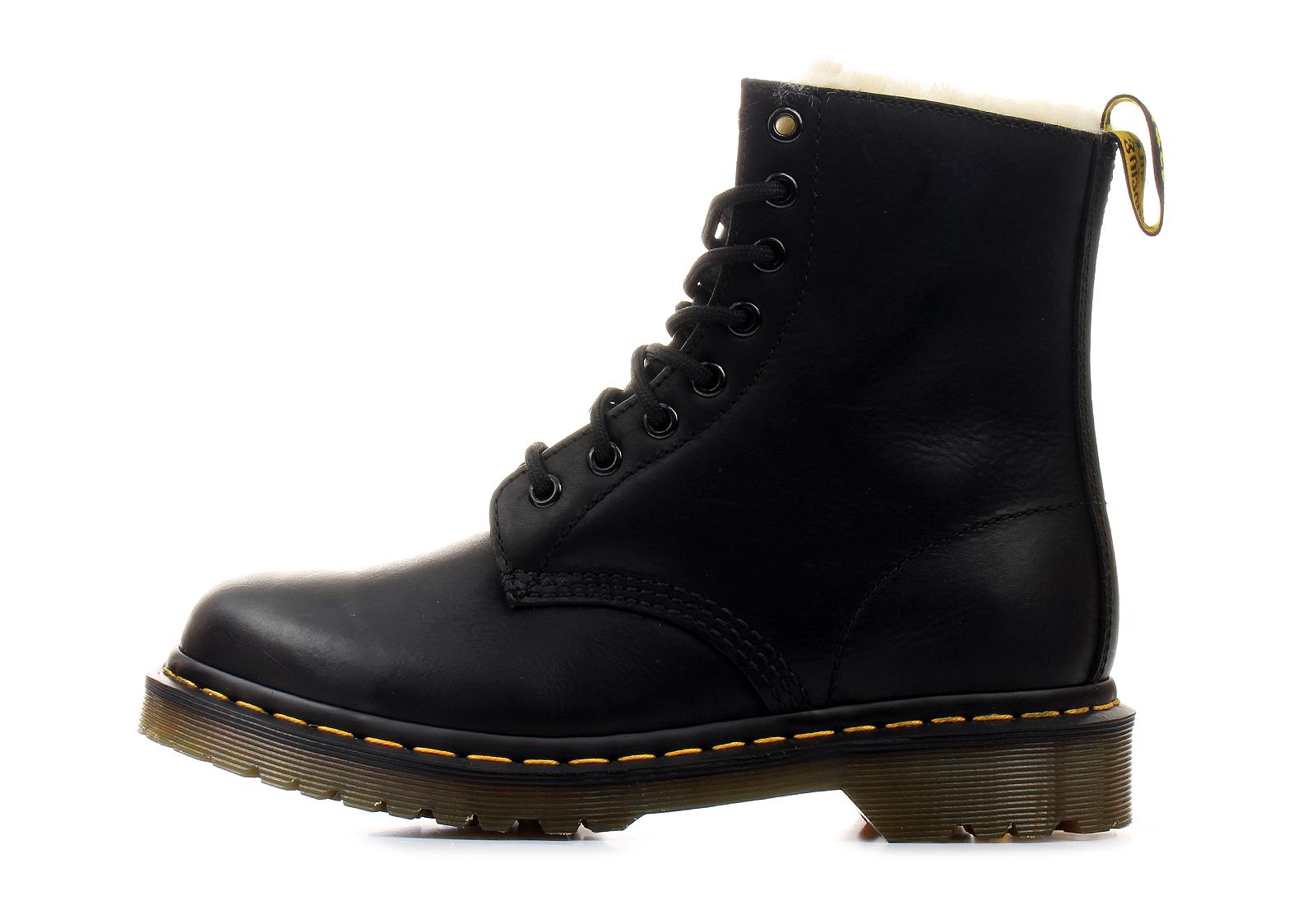 dr martens boots serena 8 eye boot dm21797001. Black Bedroom Furniture Sets. Home Design Ideas