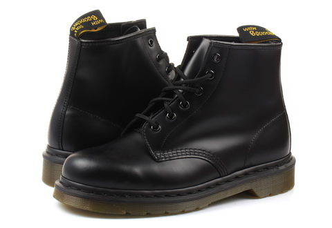 Dr Martens Boots 101 - 6 Eye Boot