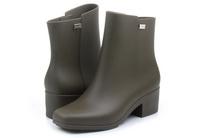 Close Boot