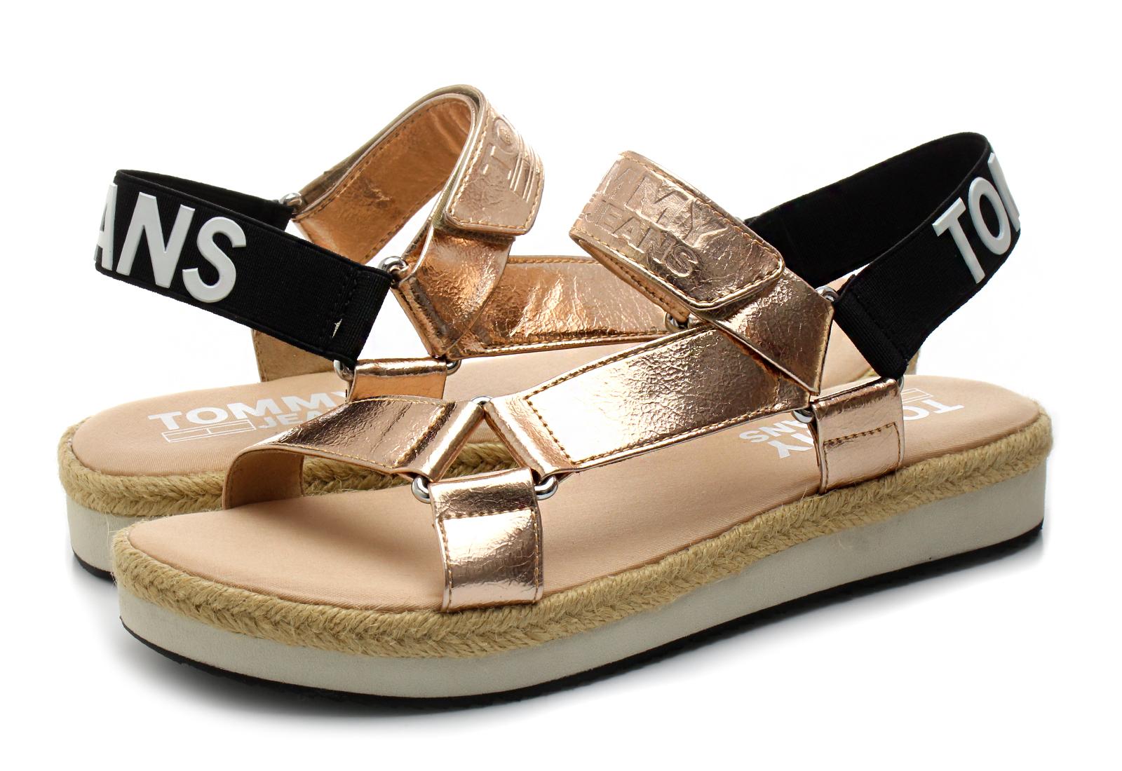 Tommy Hilfiger Szandál - Sofia 2 - 18S-0218-638 - Office Shoes ... f5725beb4b