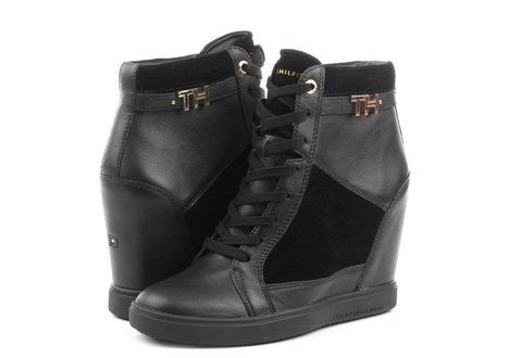 Tommy Hilfiger Shoes Amanda Wedge 7a
