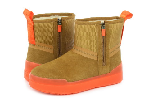 Ugg Škornji Classic Tech Mini
