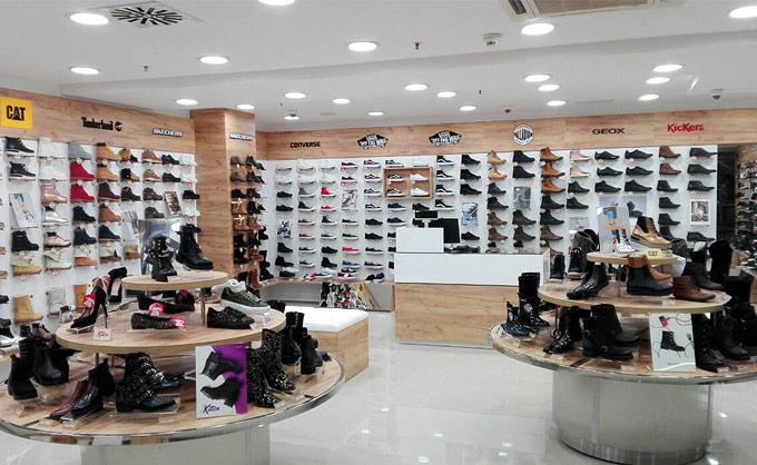 Merkator Centar Niš Vizantijski Bulevar 1  Office shoes Nis